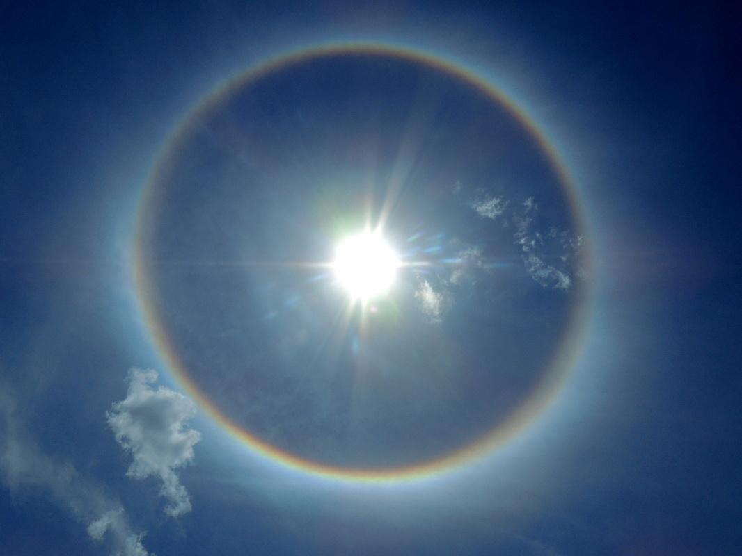 Regenbogen Um Sonne